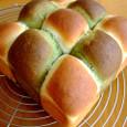 抹茶とプレーンのちぎりパン