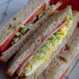 胚芽パンのサンドイッチ