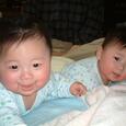 ツインズ赤ちゃんの頃3